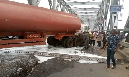 explosion river niger bridge